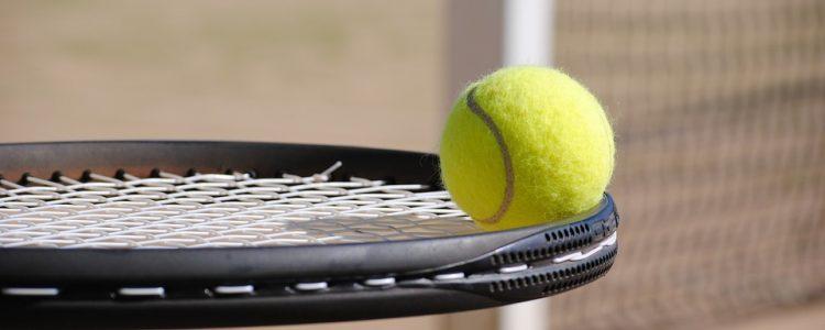 Aikuisten tenniskurssit kesällä 2021