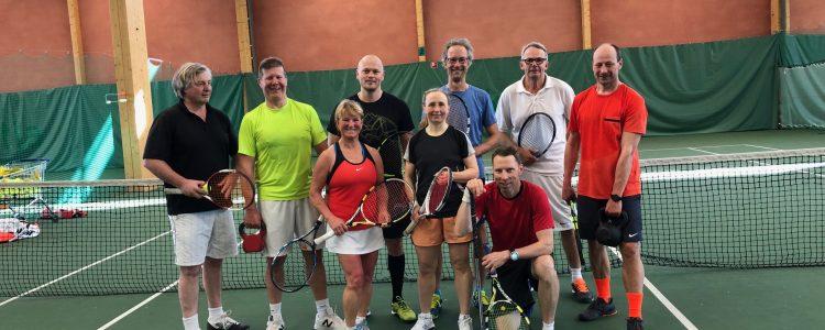 Aikuisten tenniskurssit kesällä 2020