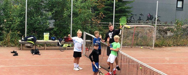 Junioreiden tenniskurssit kesällä 2020